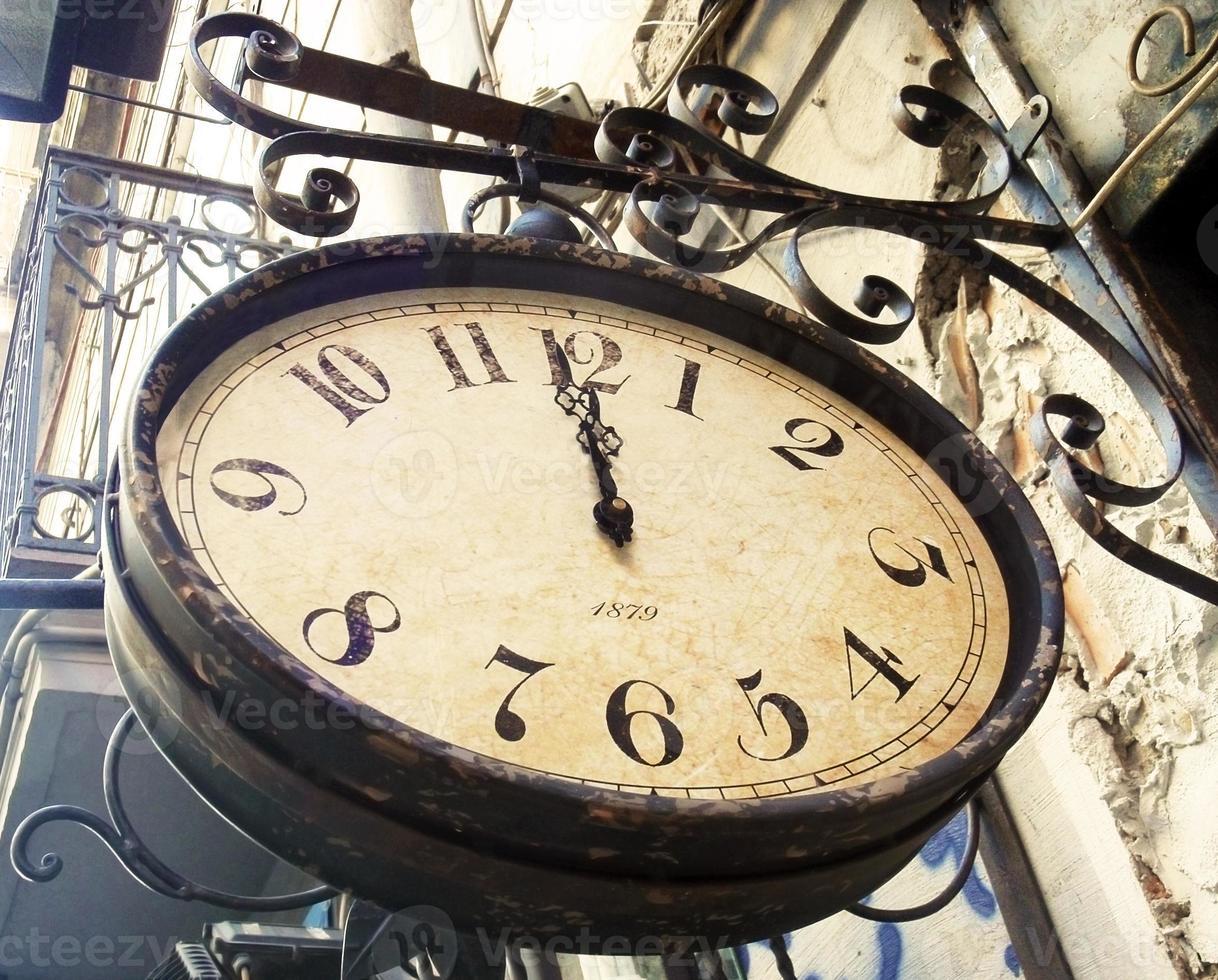 reloj de calle vintage foto