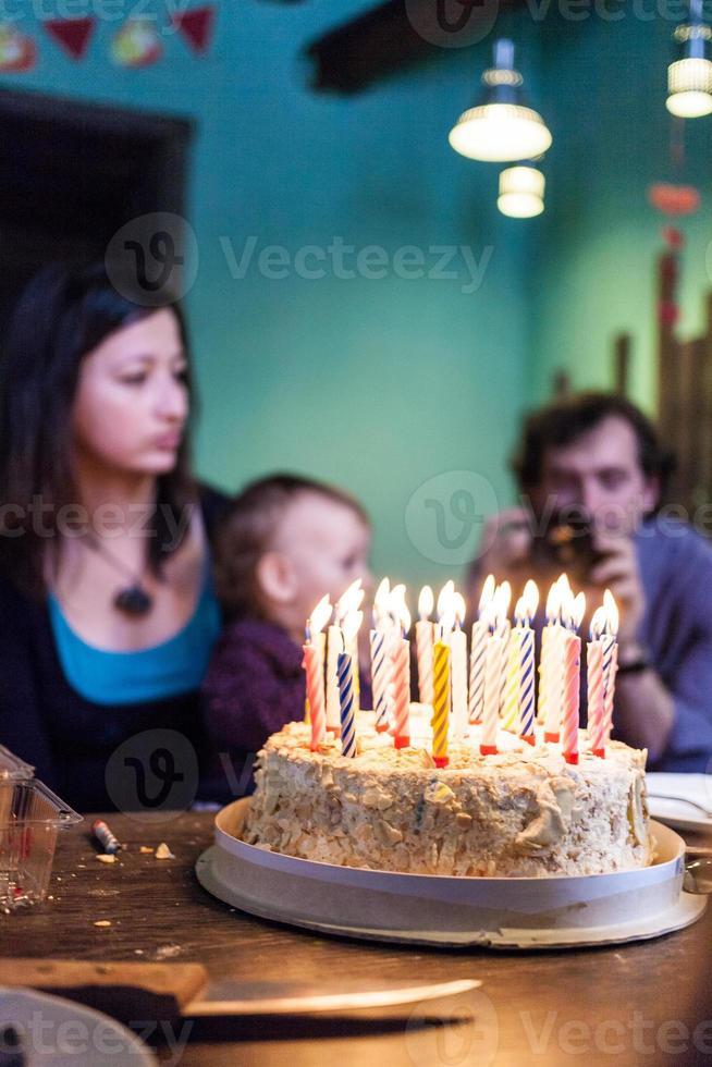 aniversário - bolo com velas foto