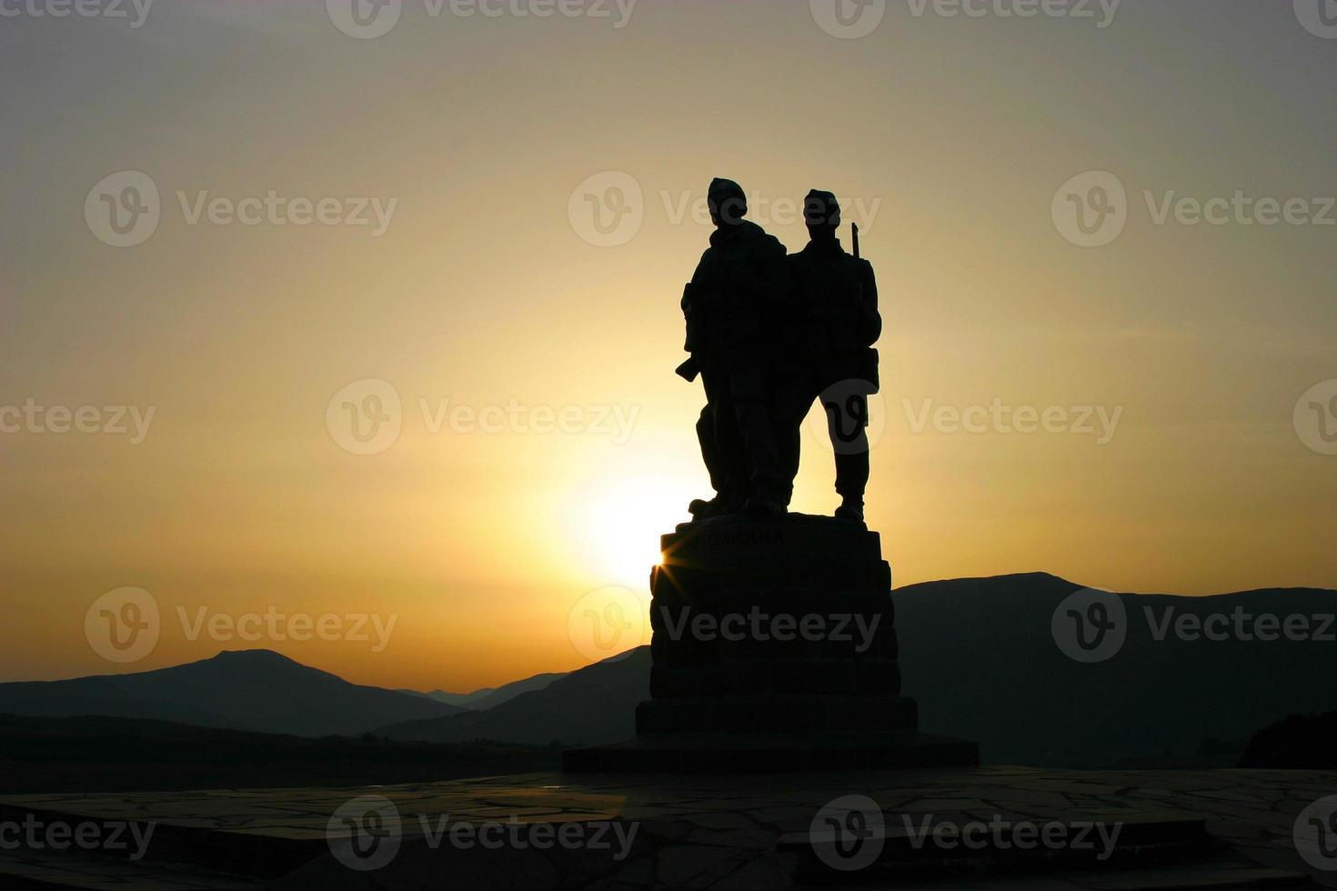 commando gedenkteken silhouet foto