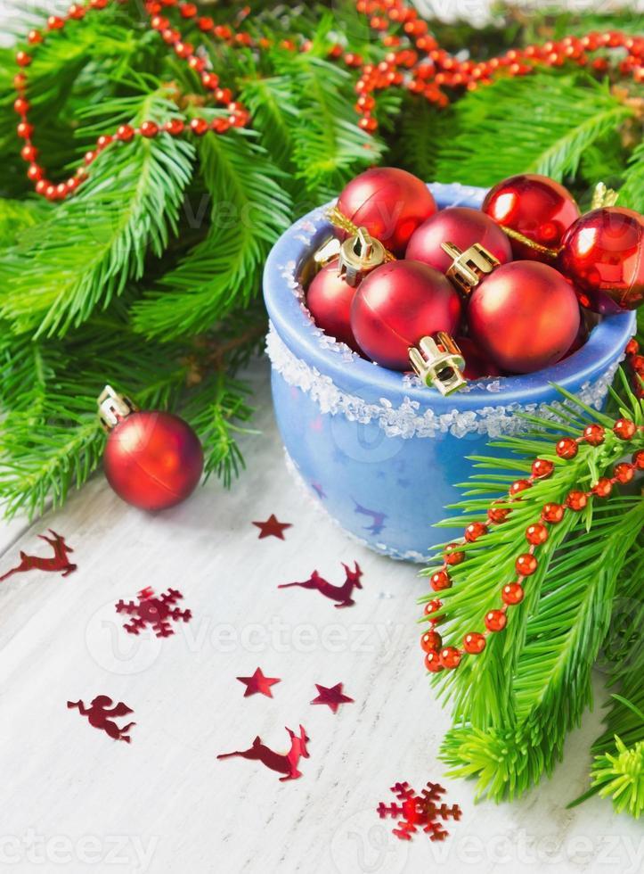 bolas rojas de navidad foto