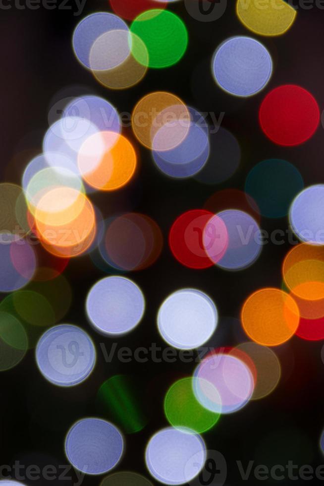 luces del árbol de navidad borrosas aisladas foto