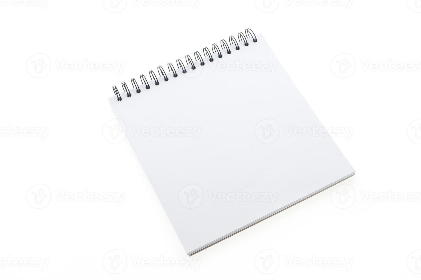 cuaderno en blanco aislado foto