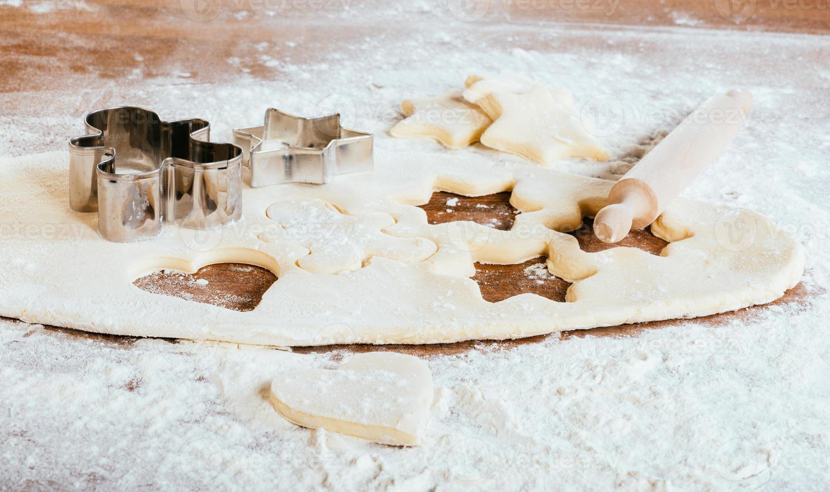 hornear galletas de azúcar frescas foto