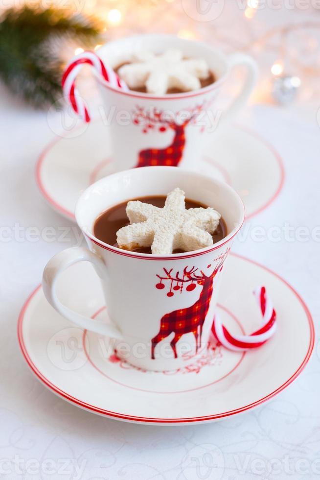 chocolate caliente con malvaviscos foto