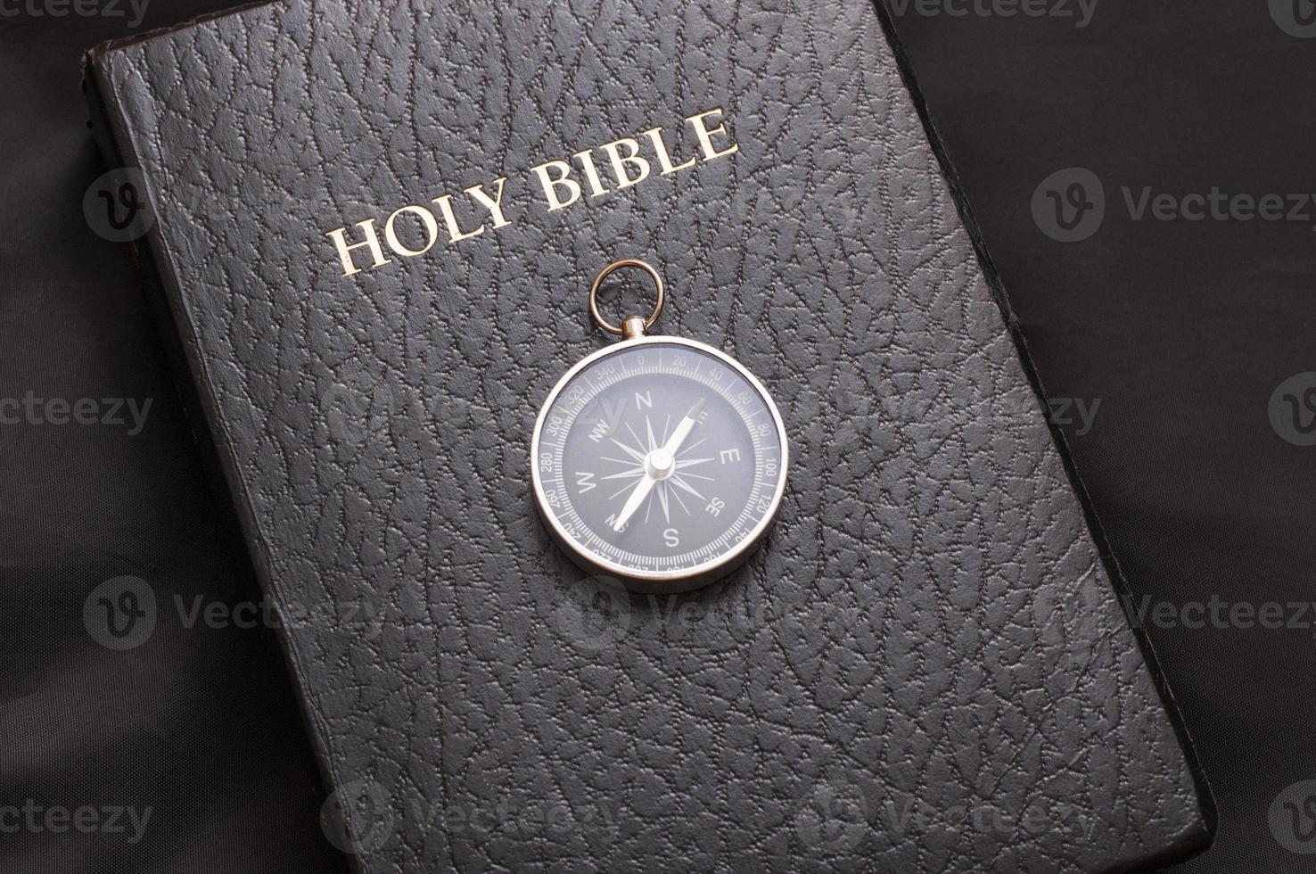 Sagrada Biblia foto