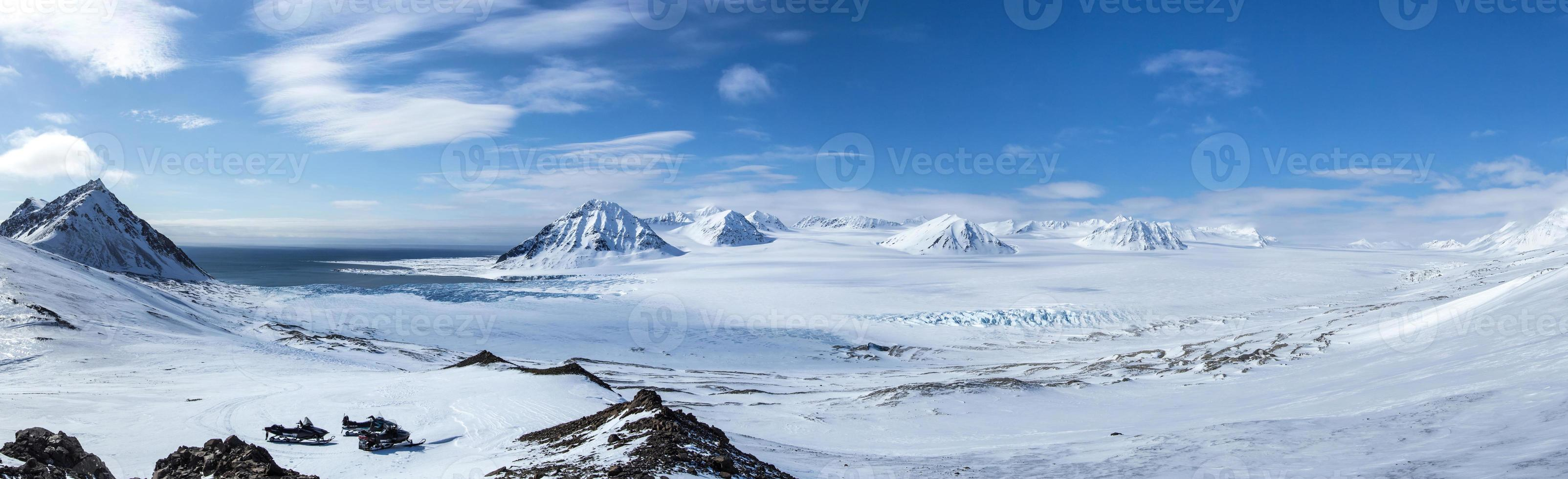 Arctic spring in south Spitsbergen. photo