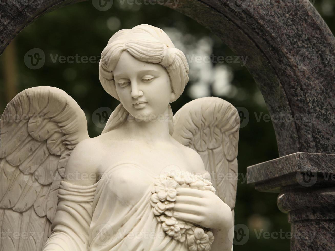 angel with wreath photo