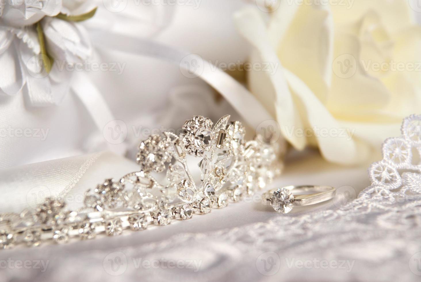 tiara de casamento (diadema) e acessórios de noiva foto