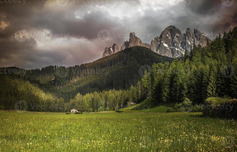 Alpes Dolomitas foto