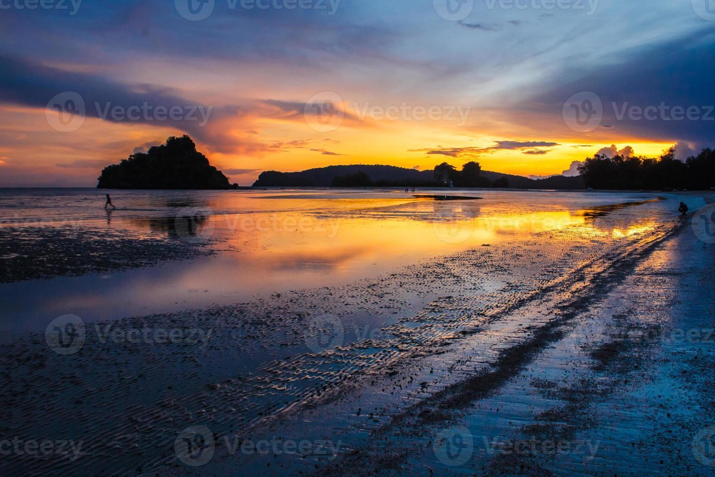 playa por la noche foto