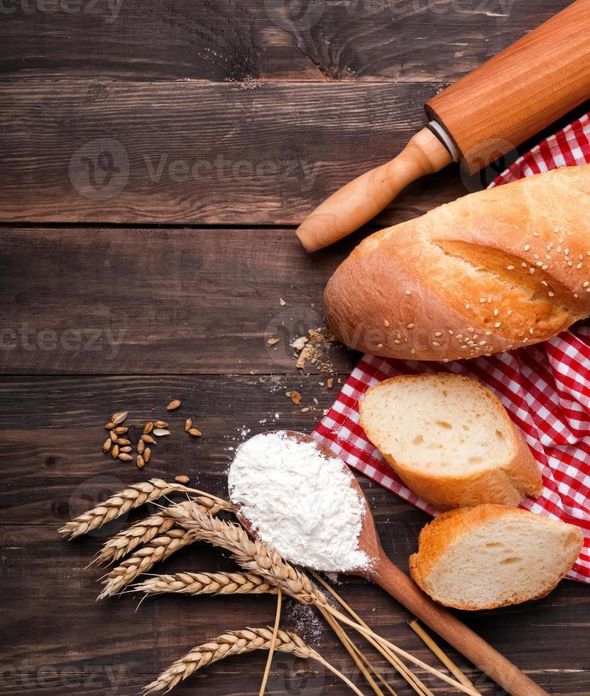 Wheat, flour and bread photo