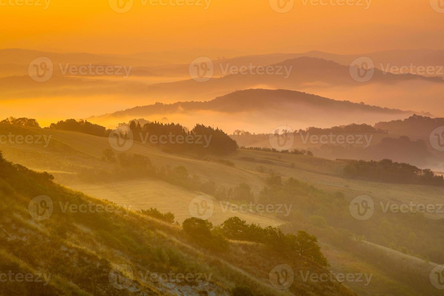 paisaje de colinas toscanas foto