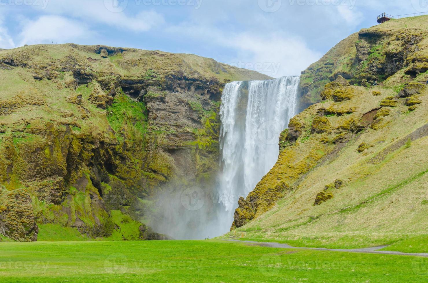 Cachoeira Skogafoss na Islândia foto