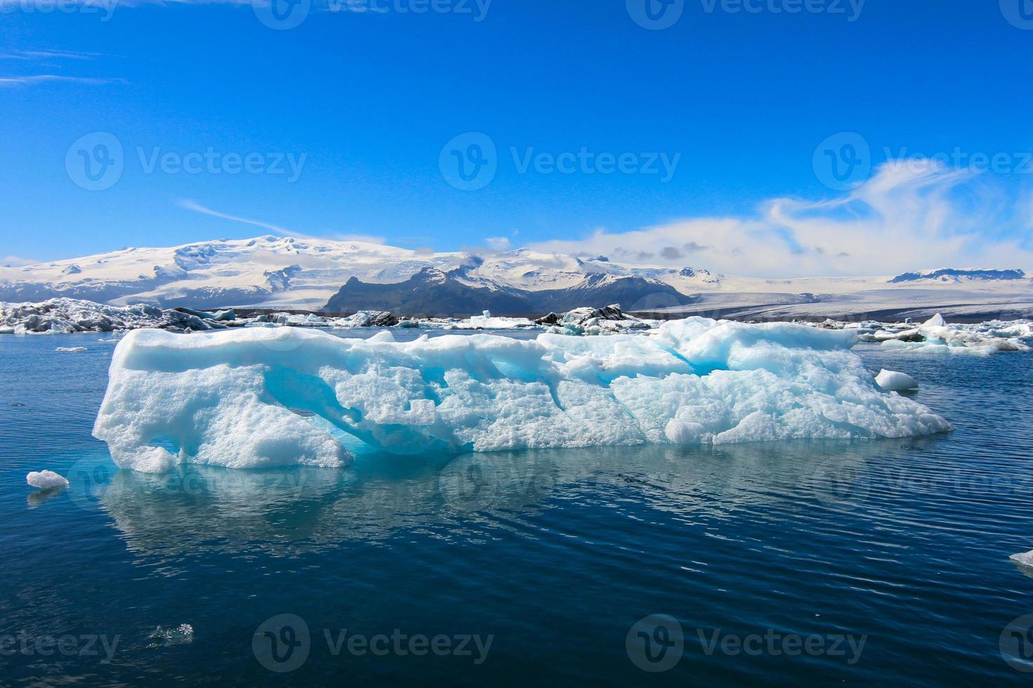 vista do Jokulsarlon na Islândia foto