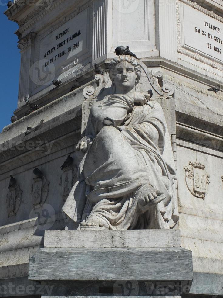 Rossio Statue photo