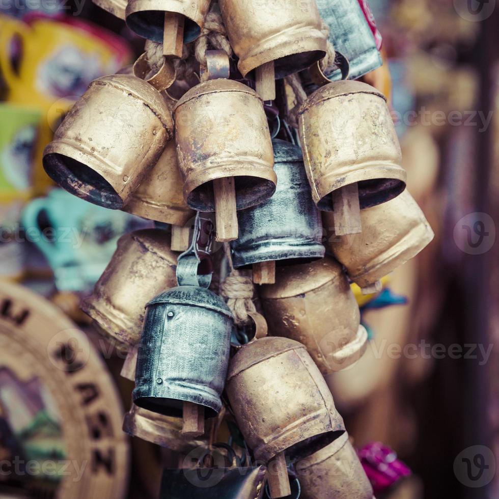 campanas de metal de zakopane foto