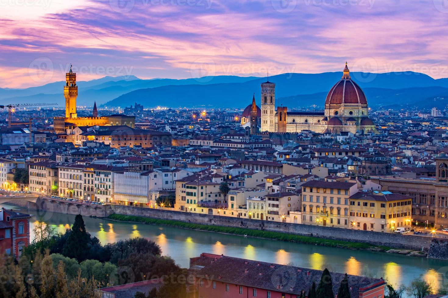 Paisaje urbano de Florencia en Toscana, Italia foto