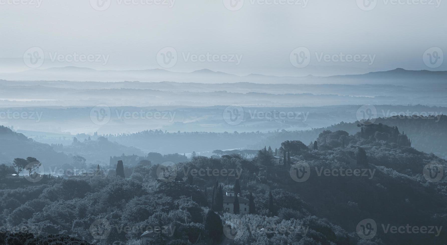paisagem da Toscana ao entardecer foto
