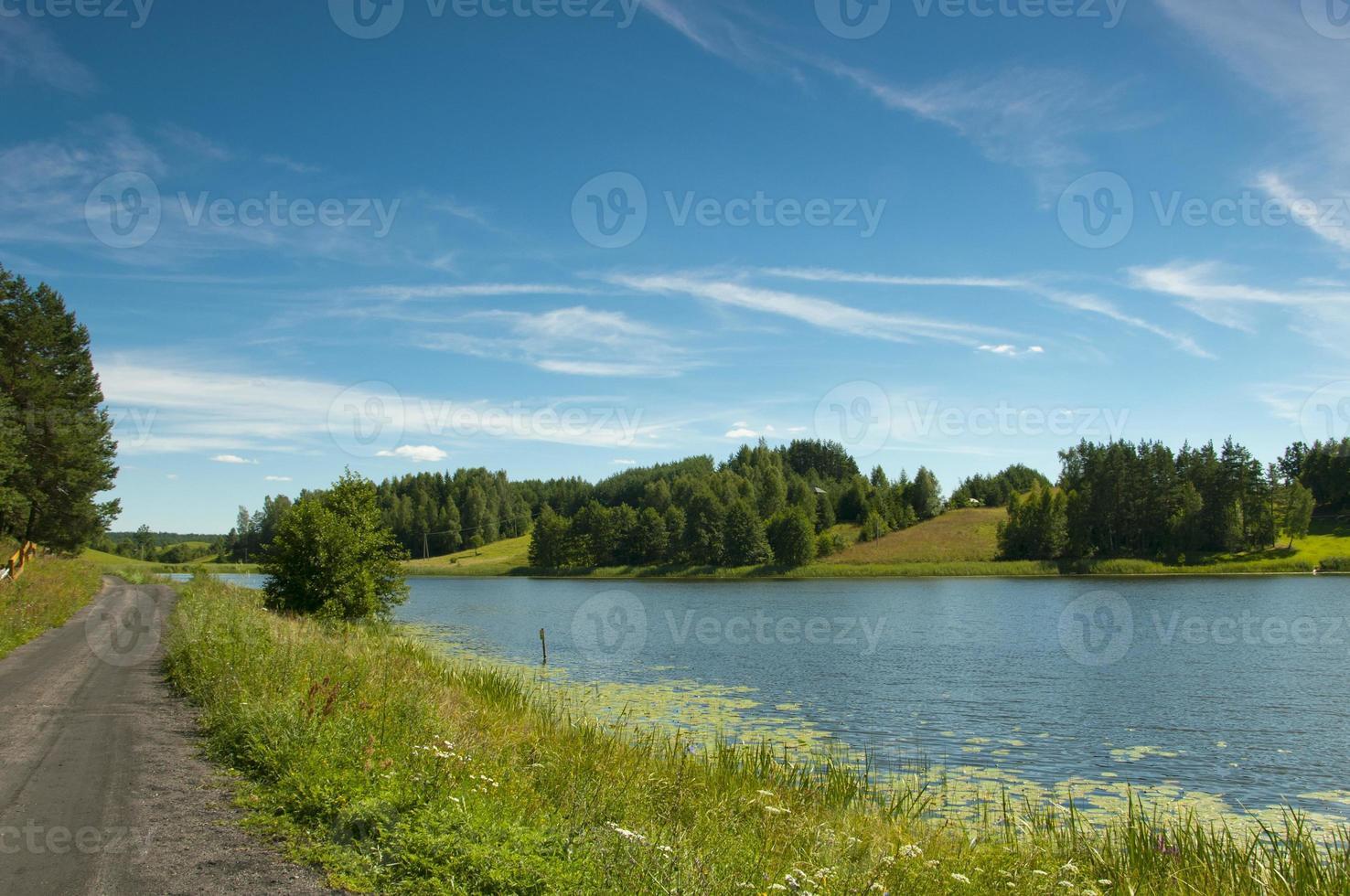 lago negro en la región de suwalki osinki foto