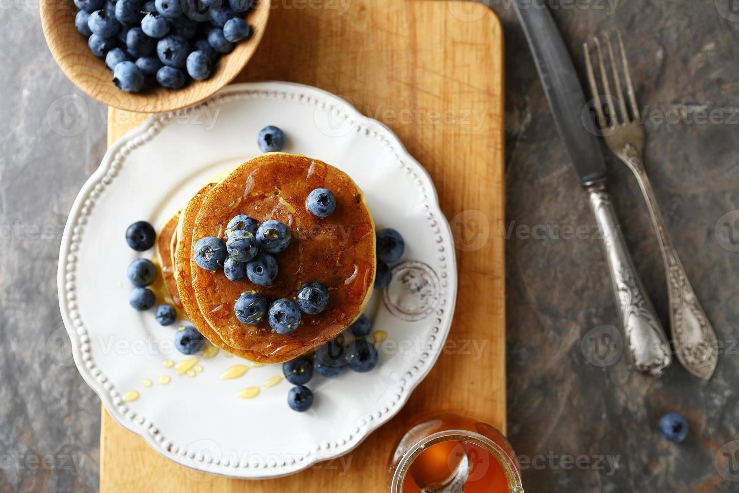 stack pancakes with berry photo