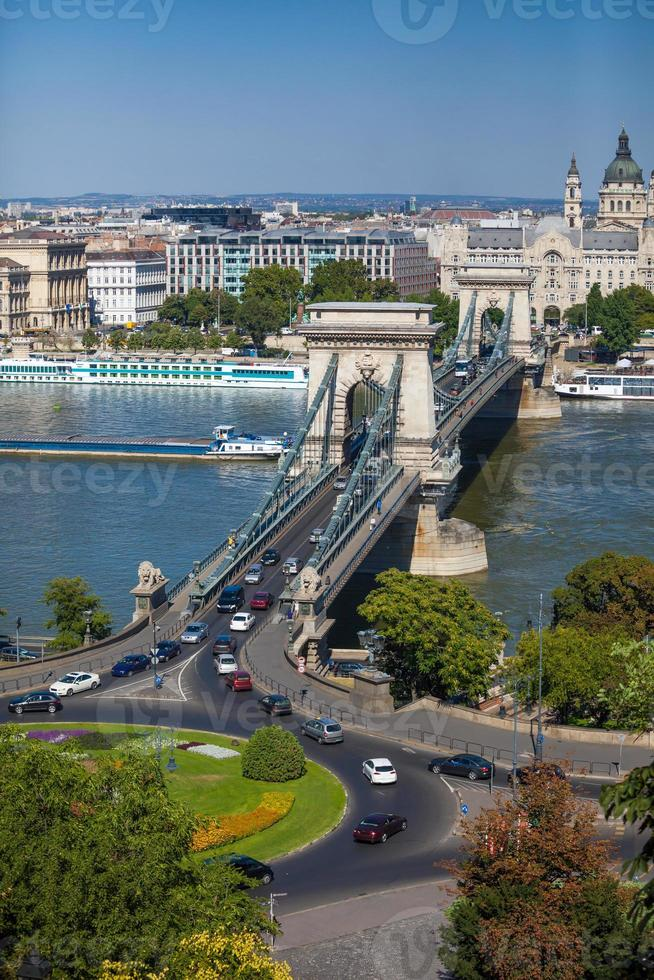 Puente de las cadenas de Szechenyi, Budapest, Hungría foto