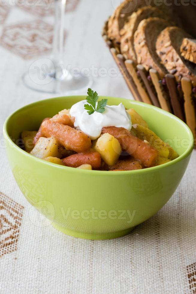 gulash de patata y zanahoria foto