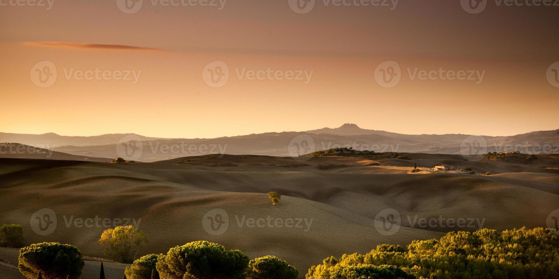 amanecer en toscana, italia foto