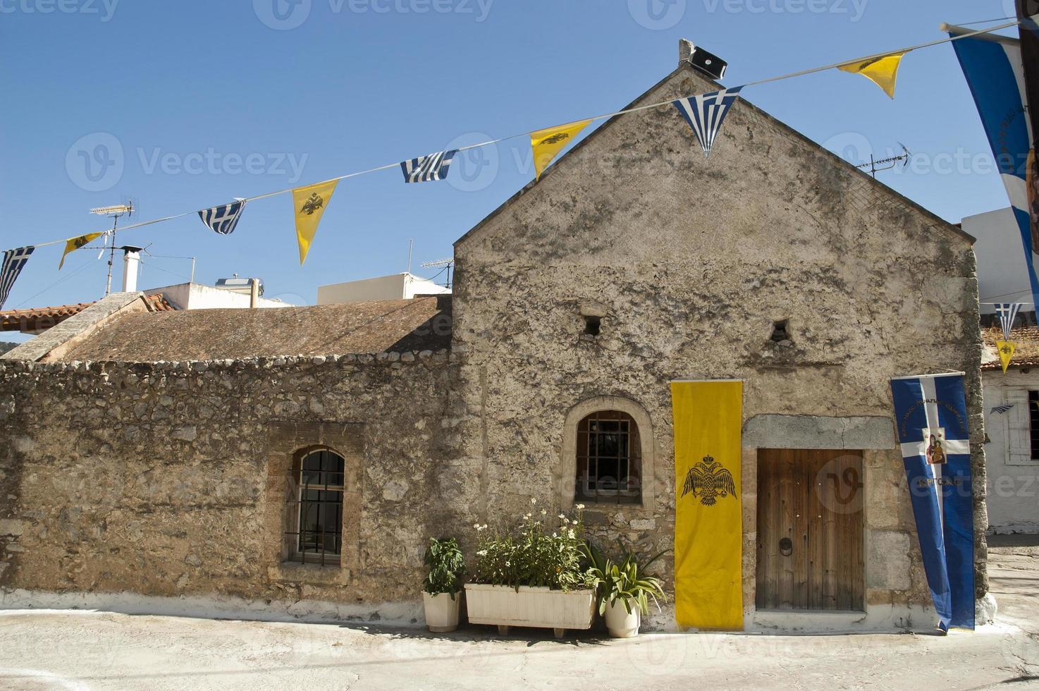 Antigua iglesia en la aldea de Kritsa, Creta foto
