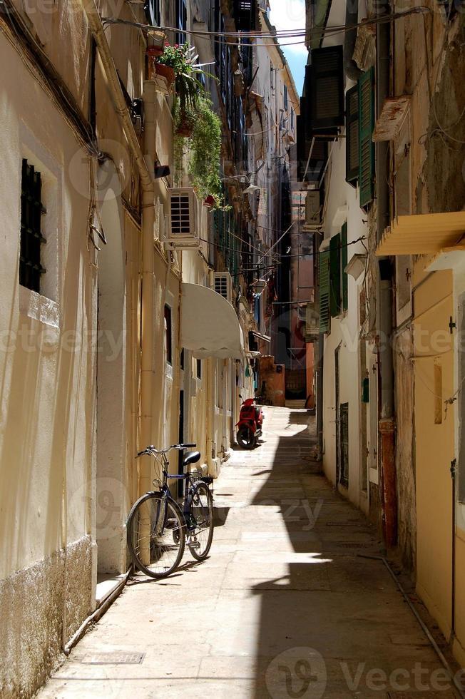 calle griega estrecha foto