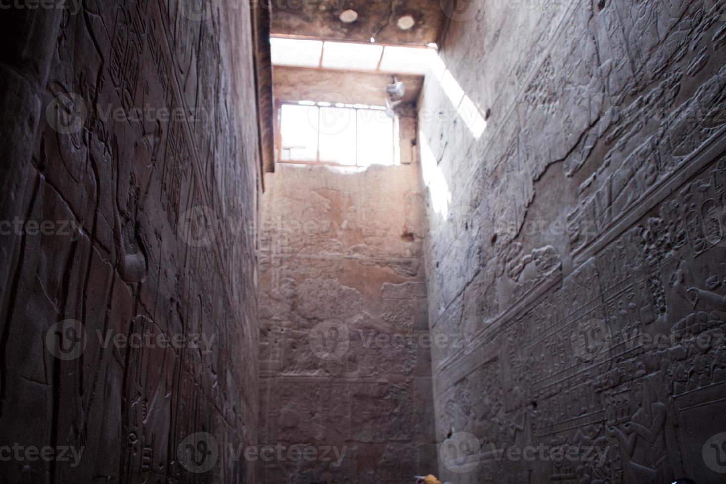 antiguo egipto jeroglíficos del templo de luxor foto