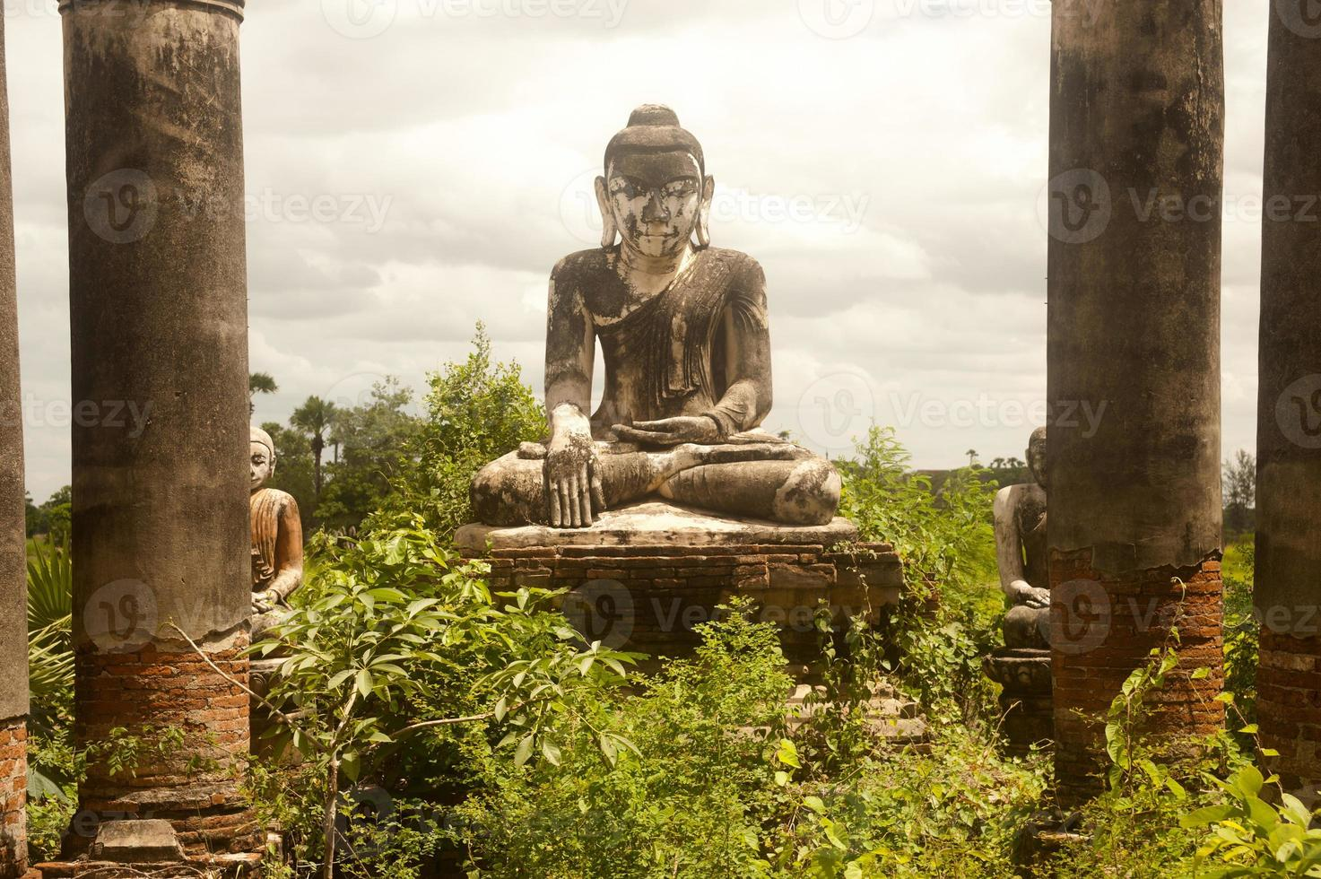 Yadana Hsemee Pagoda Complex in Myanmar. photo
