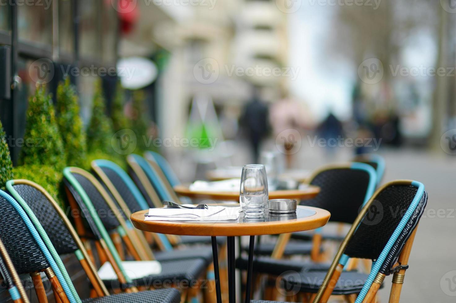 acogedor café al aire libre foto