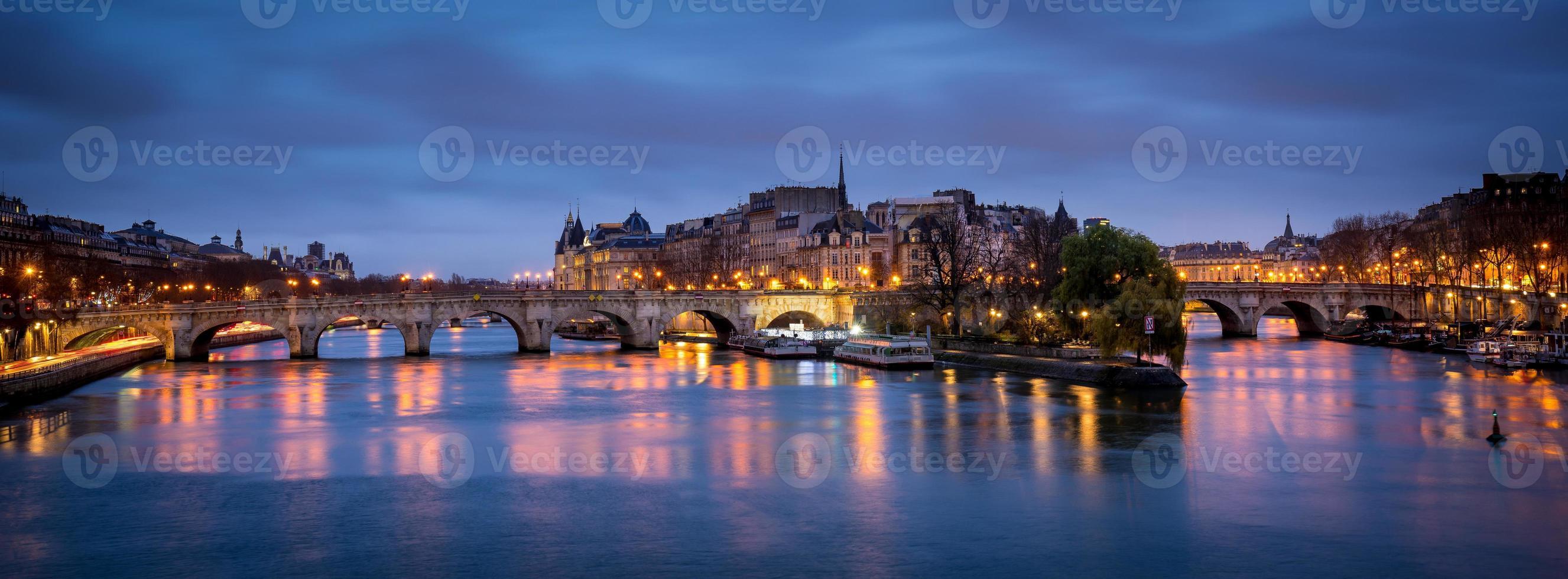 Ile de la cite y pont neuf al amanecer, París foto