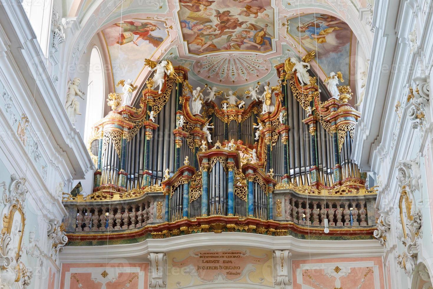 órgão de igreja barroca foto