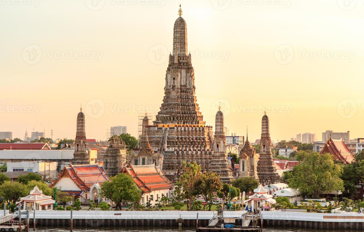 Wat Arun photo