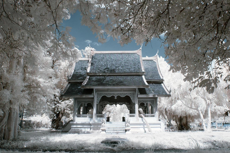lugares de culto en infrarrojo cercano, tailandia. foto