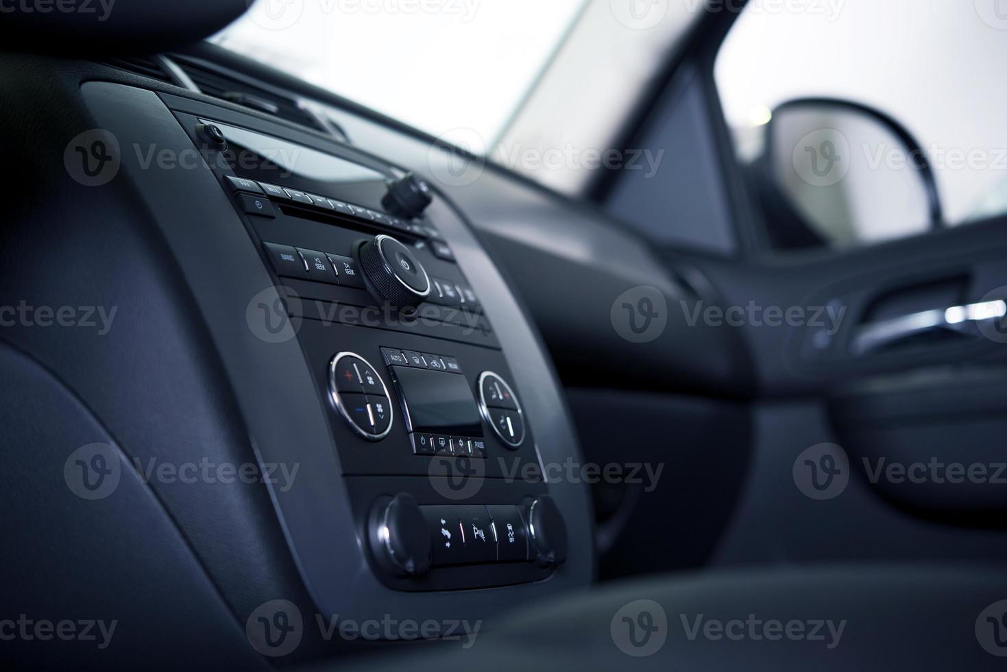 salpicadero e interior del coche foto