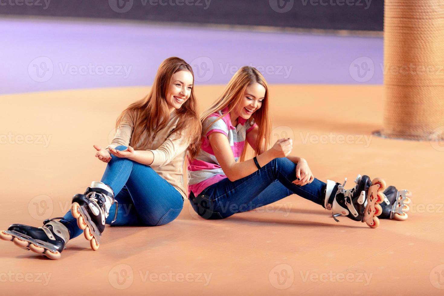 hermosas chicas en el rollerdrome foto