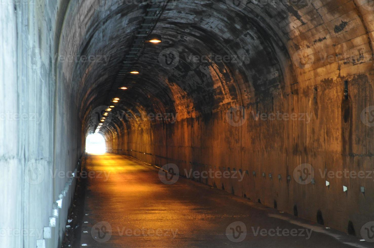 Tunel photo