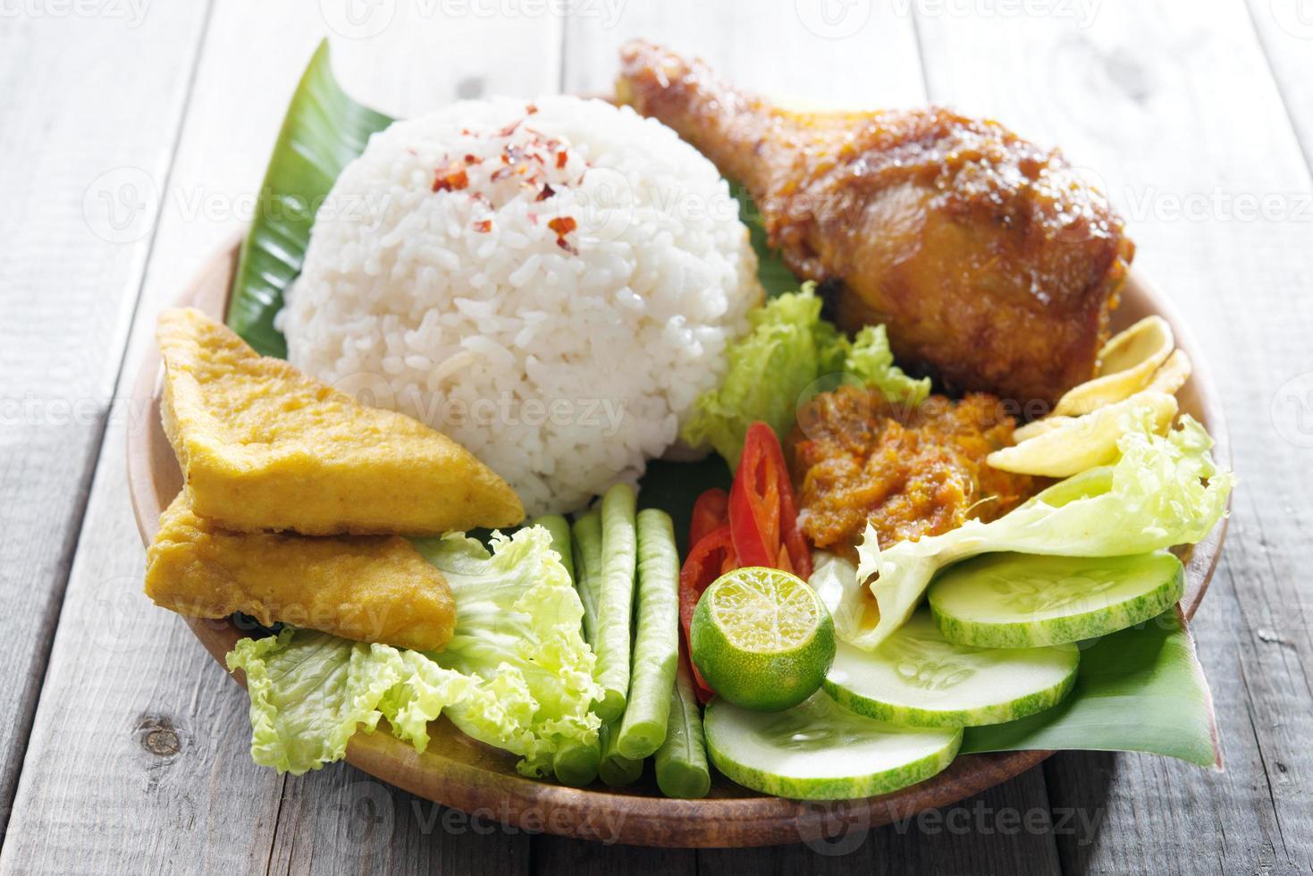 comida local indonesia popular foto