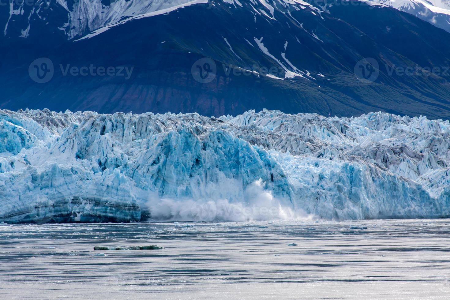 Parto de hielo en la bahía del desencanto foto