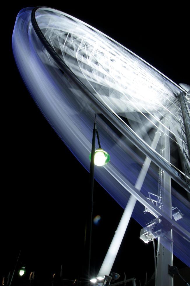 Time-lapse of a Ferris wheel photo