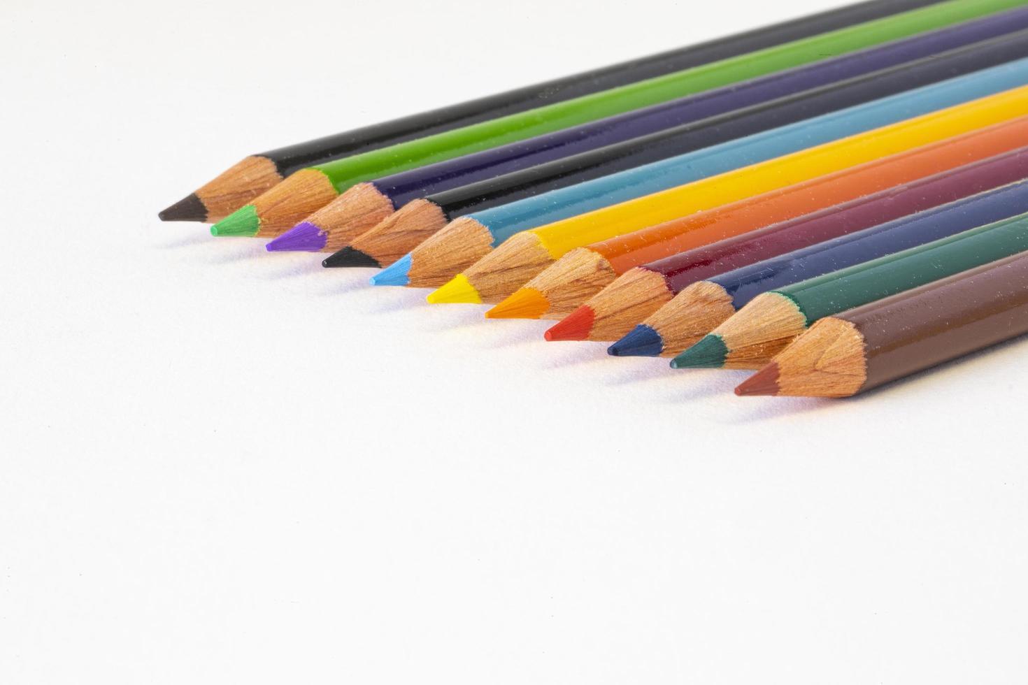 lápices de colores en foco foto