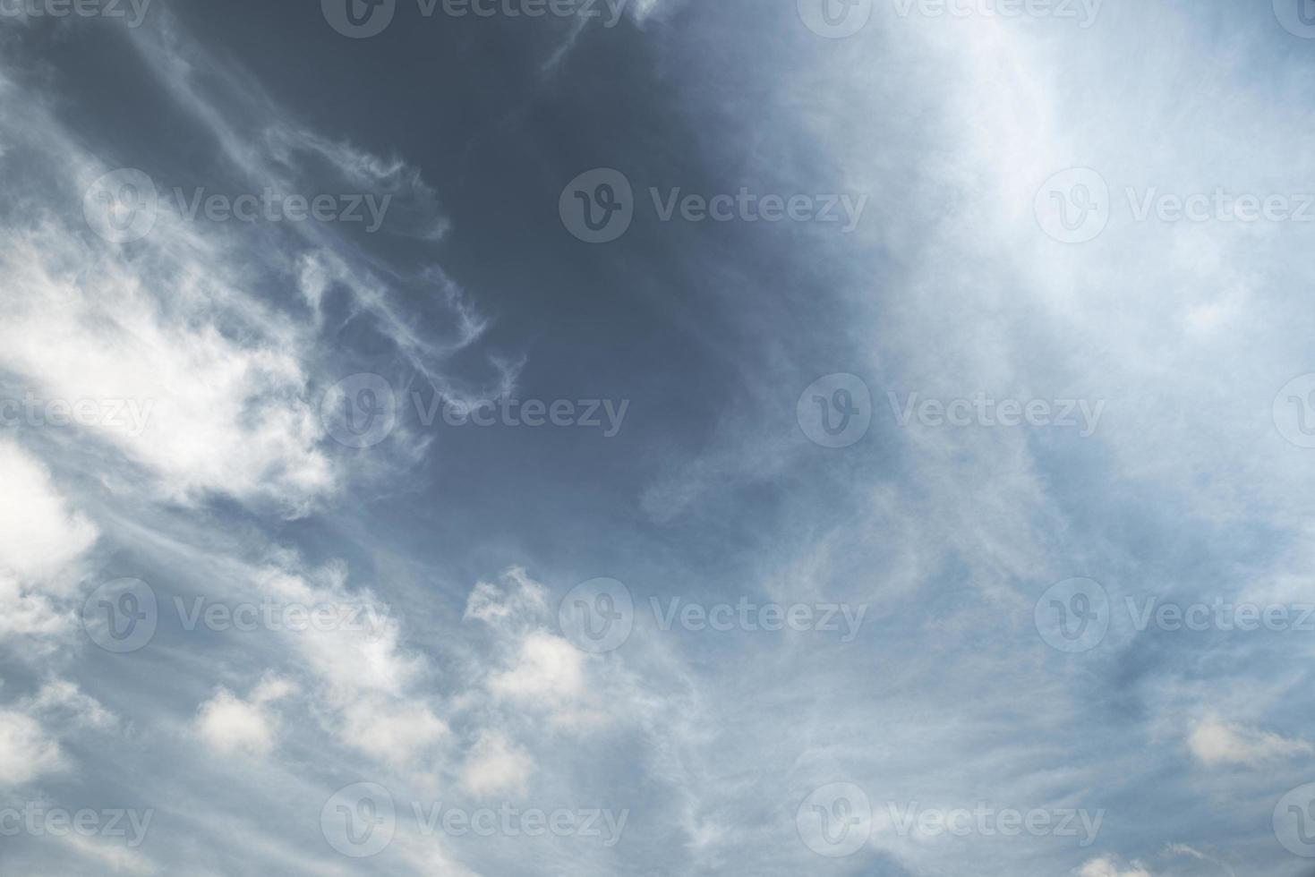 forma de nube dramática foto