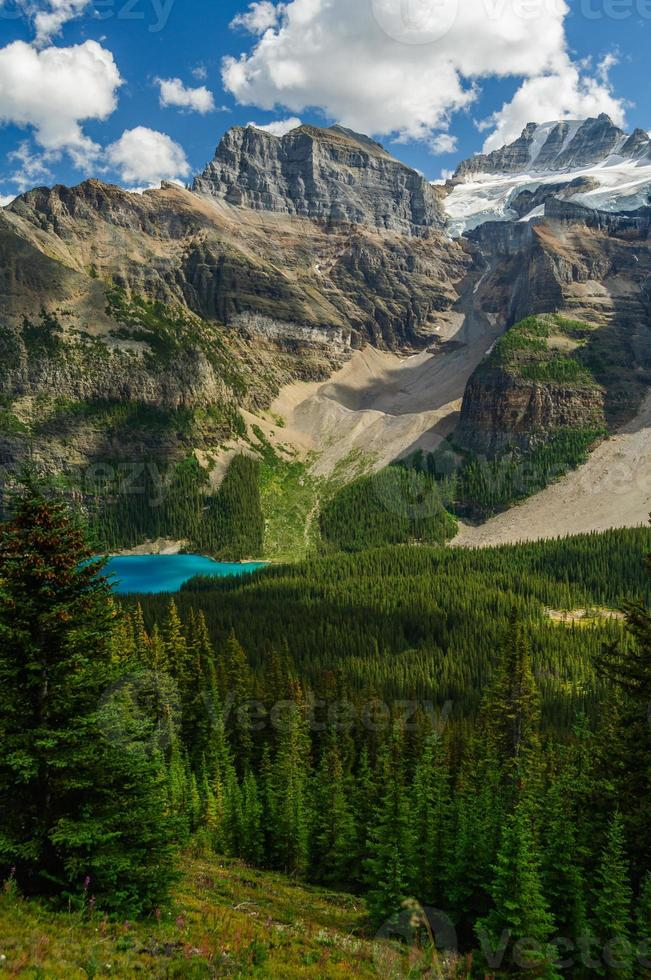 lago moraine banff parque nacional de canadá foto