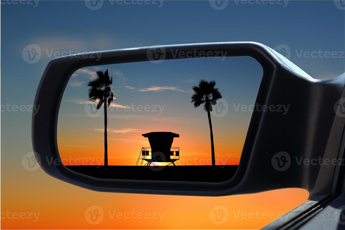 Rearview mirror photo