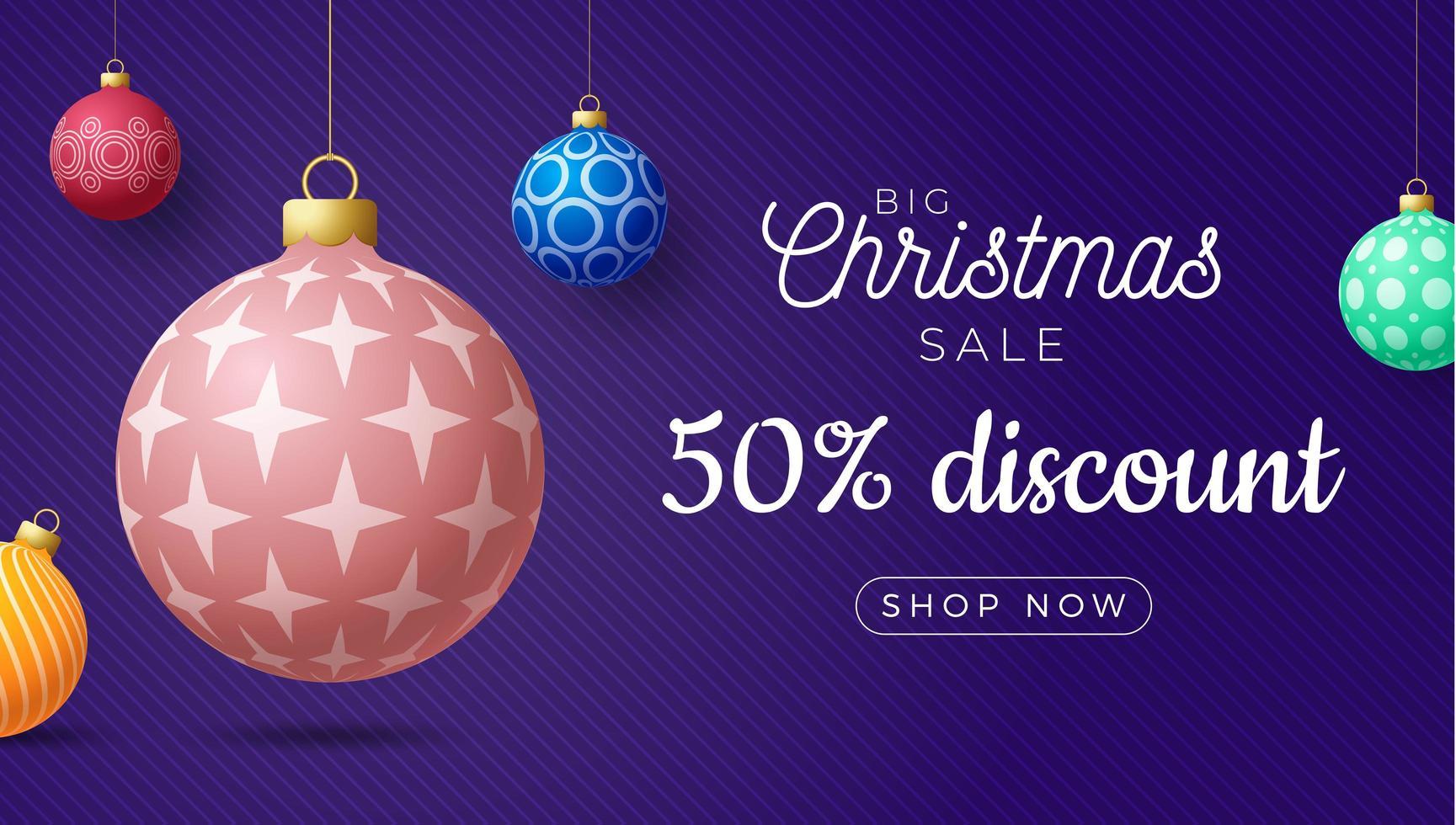 banner de venta horizontal de navidad con adornos de bolas vector