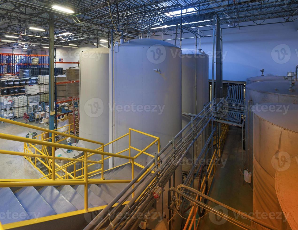 tanques de almacenamiento industriales foto