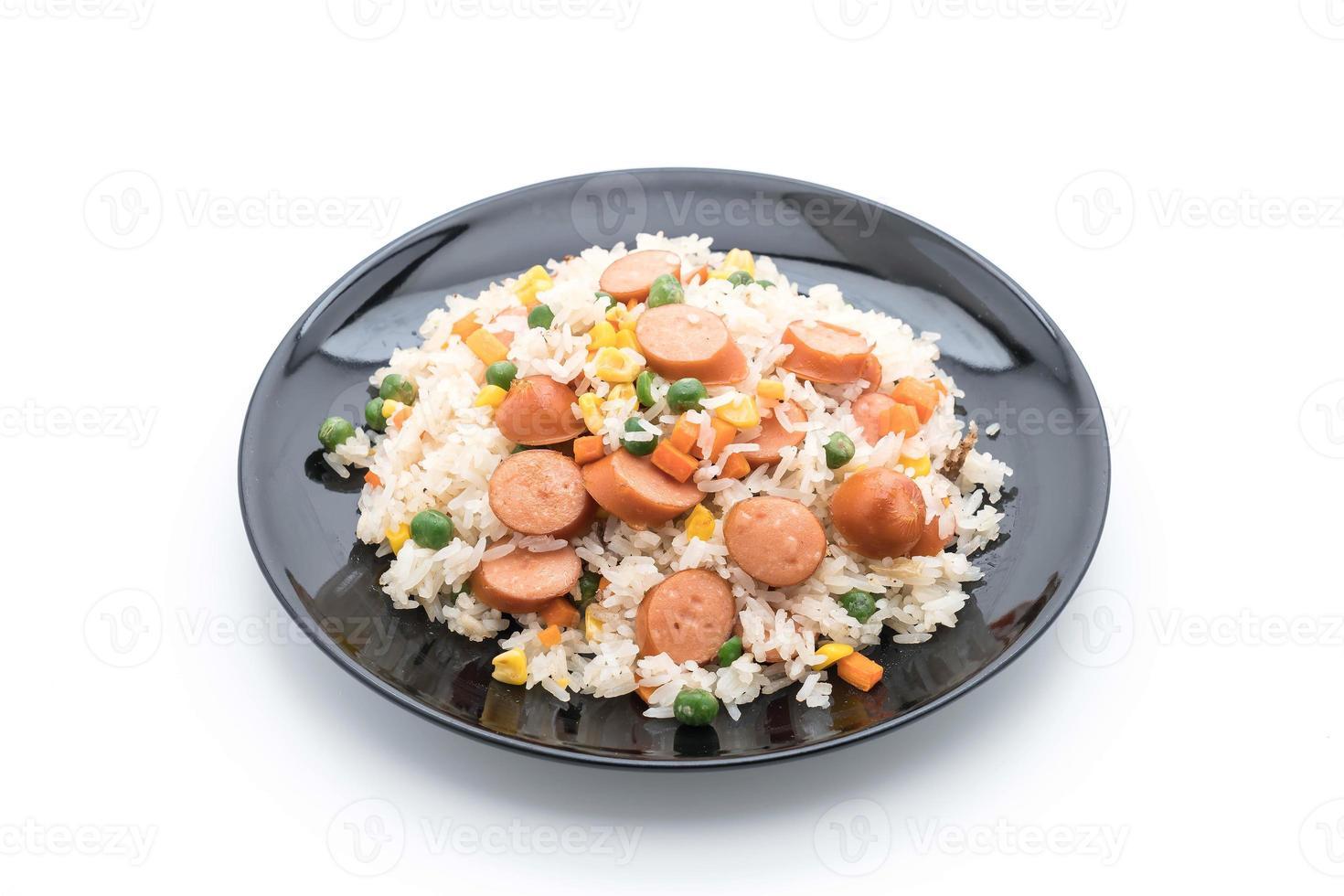 arroz frito con salchicha foto