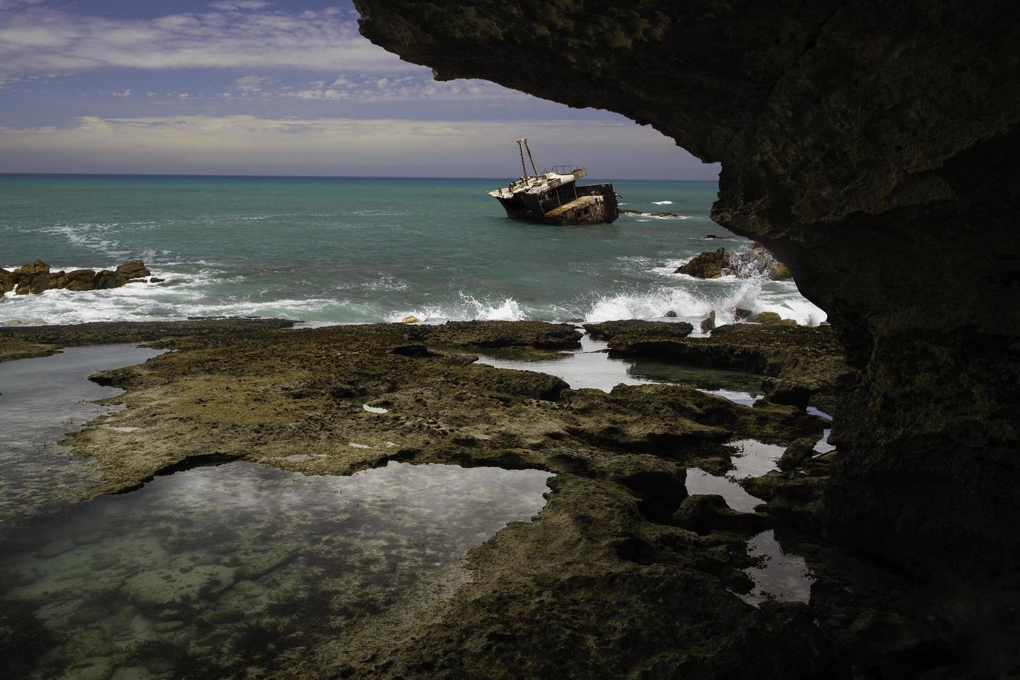 arniston, cabo occidental, 2020 - barco en el mar foto